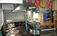 つくだに加工の調理場